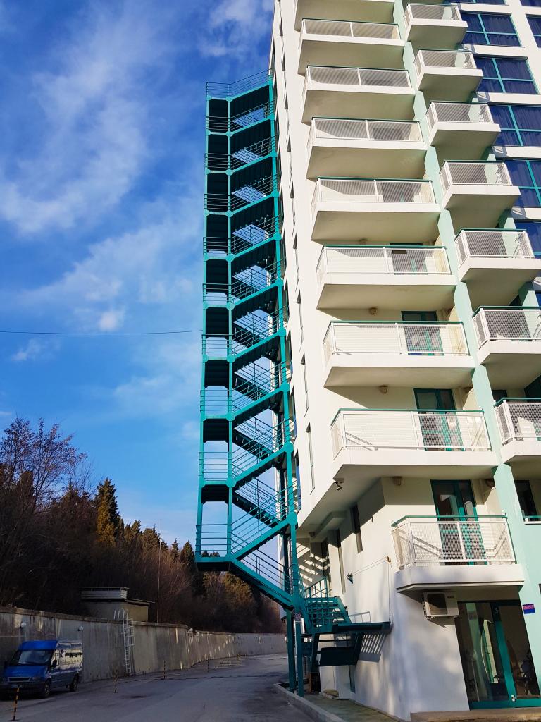 Аварийна стълба на хотел Берлин к.к. Златни пясъци - 1